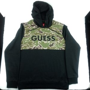 NWT Guess Spell Out Camo Hoodie. SIZE MEDIUM